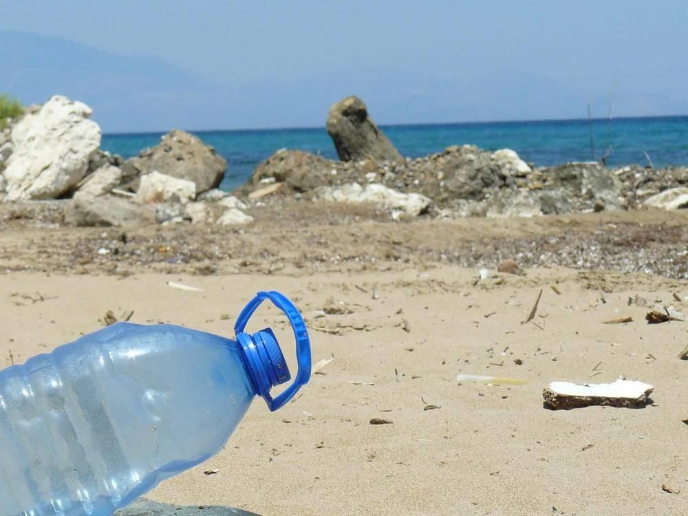 plastic-bottle-606881_1920